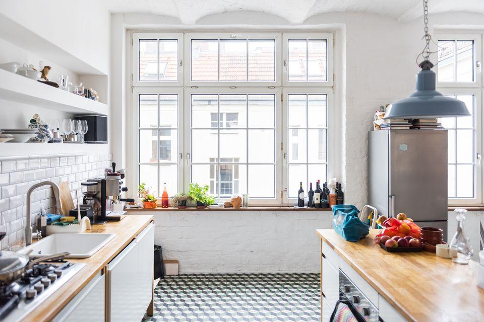 Desain Rumah Minimalis Dapur Di Depan  6 trik feng shui dapur ini bisa menambah rezeki lho